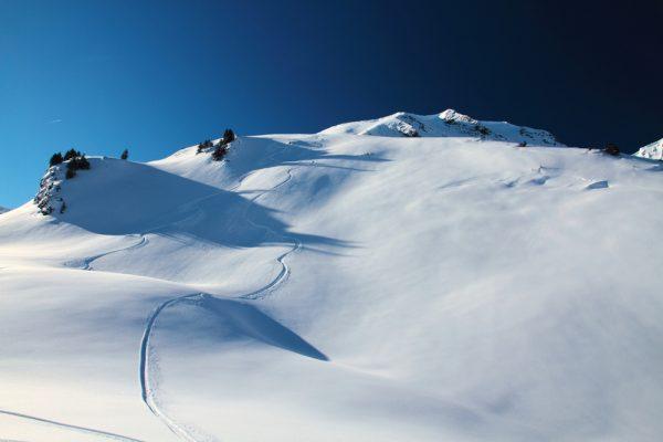 Yashima Heli-Skiing.