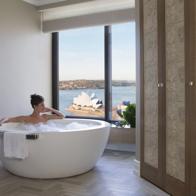 Four Seasons Sydney Deluxe Royal Bath