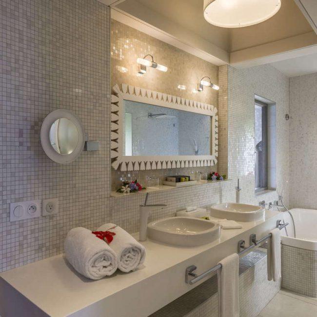 Intercontinental Tahiti Bathroom