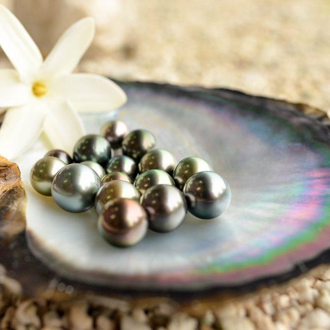 Kia Ora Resort Black Pearls