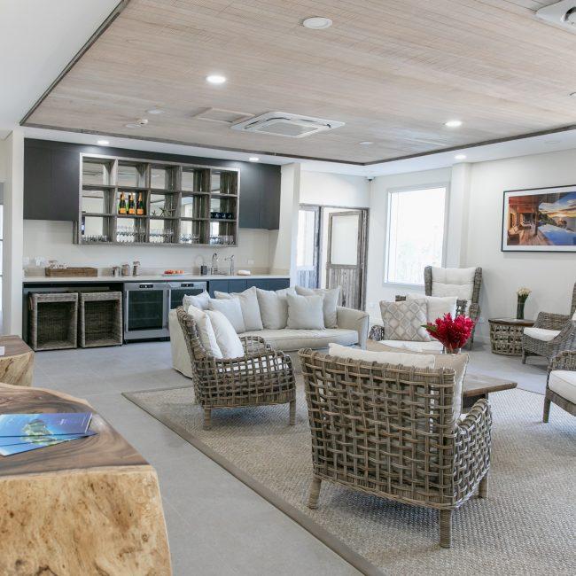 Luxury Transfer Lounge Kokomo