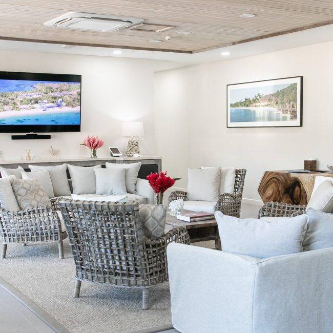 Luxury Transfer Lounge Room