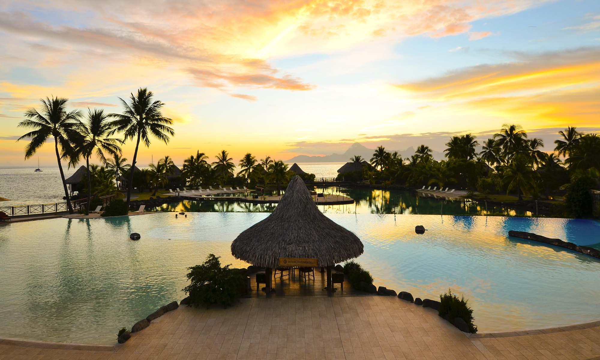 Resort Sun Set