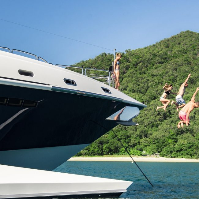 MY-Spirit_Jump-off-the-Yacht